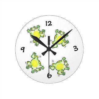 Reloj feliz de las ranas