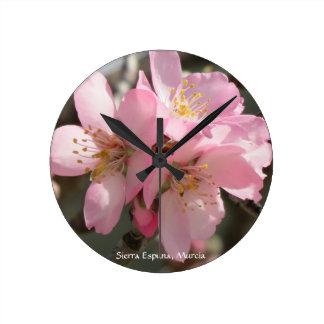 Reloj - flor de la almendra en Murcia