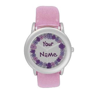 Reloj floral hawaiano púrpura personalizado del no