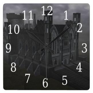 Reloj gris del castillo
