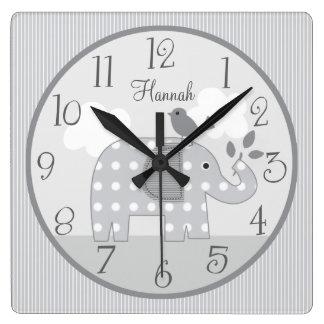 Reloj gris personalizado del bebé del cuarto de