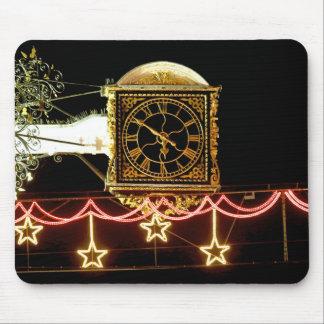 Reloj imponente en Navidad Alfombrilla De Ratones