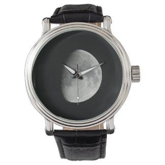 Reloj lunar de cuero