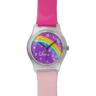 Reloj multicolor rosado púrpura nombrado arco iris