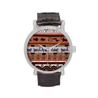 Reloj nativo étnico del modelo