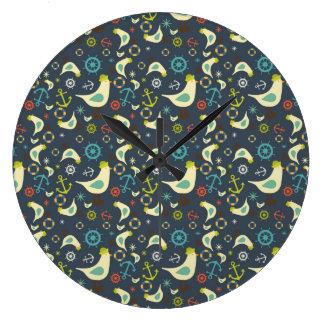 Reloj náutico de la gaviota retra del color