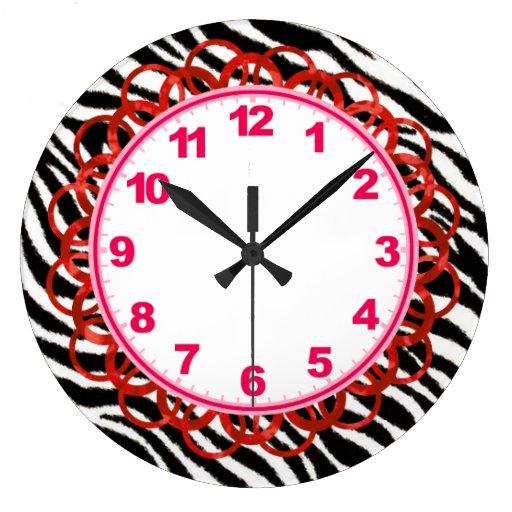 Reloj negro y blanco de la raya de la cebra con nú