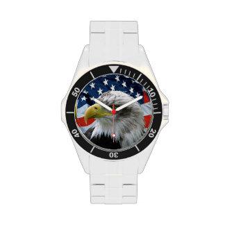 Reloj patriótico de la bandera americana de Eagle