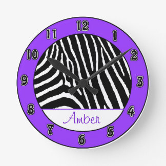Reloj púrpura de los chicas de la cebra con nombre