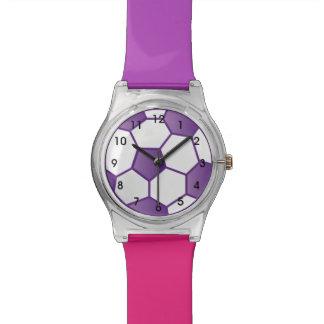 Reloj púrpura del balón de fútbol de los chicas