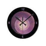 Reloj púrpura del fractal de Shell del caracol con
