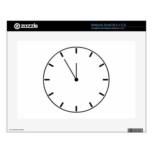 Reloj que exhibe tiempo netbook pequeño calcomanías