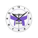 Reloj redondo de la correa púrpura de encargo de