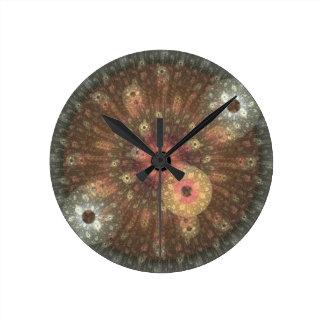 Reloj redondo del fractal metálico de la llama