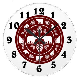 Reloj redondo del pinecone marrón rústico del oso
