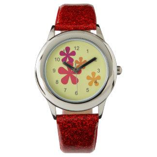 Reloj retro anaranjado de las flores