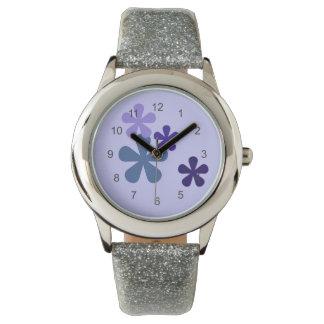 Reloj retro azul de las flores