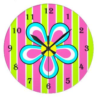 Reloj retro colorido de la flor -- Rosas fuertes y