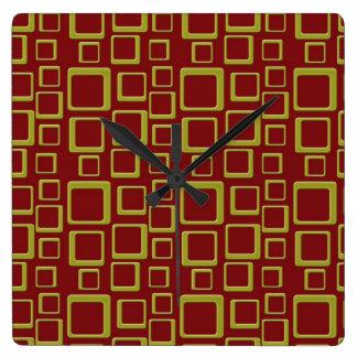 Reloj retro de oro y marrón del cuadrado del