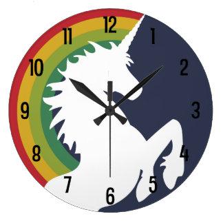 Reloj retro del arco iris de los años 80 y de
