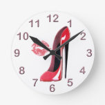 Reloj rojo del arte del zapato y del beso del esti