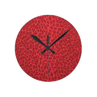 Reloj rojo del estampado leopardo