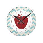 Reloj rojo del profesor de Chevron de la aguamarin