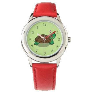Reloj rojo pintado lindo de la tortuga