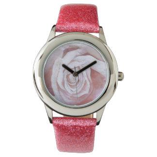 Reloj rosado bonito del rosa del brillo