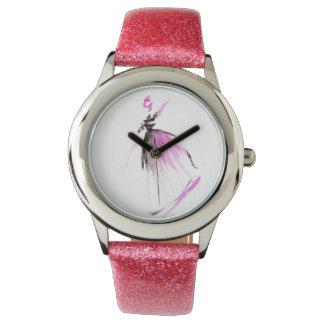 Reloj rosado con las ilustraciones rosadas