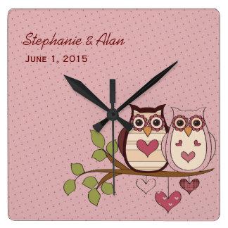 Reloj rosado del boda de Sweethoots del búho