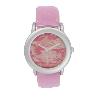 Reloj rosado del camo de la señora
