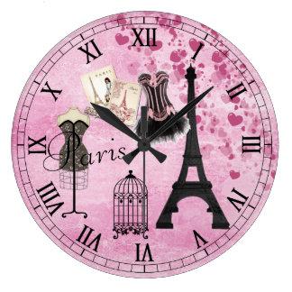 Reloj rosado femenino elegante de la moda de París