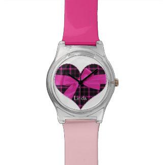 Reloj rosado y negro del corazón