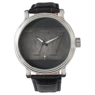 Reloj rústico del monograma del metal negro W