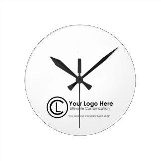 Reloj simple y de encargo de su logotipo aquí del