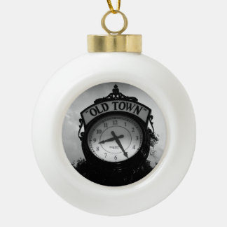 Reloj viejo de la ciudad adornos
