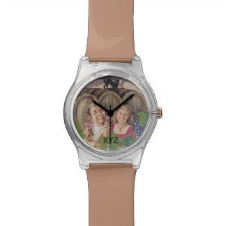 Relojes de encargo del monograma del lagar del vin