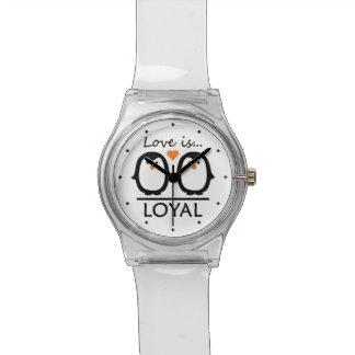 Relojes del personalizado del amor del pingüino