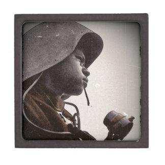 Remachador de Rosie del afroamericano Cajas De Regalo De Calidad
