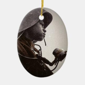 Remachador de Rosie del afroamericano Ornamento Para Reyes Magos