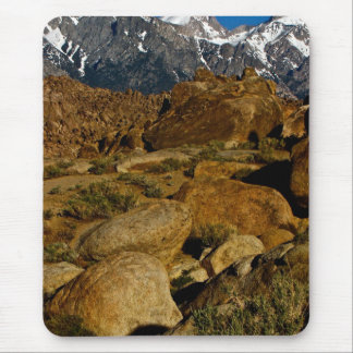 REMARKABLE HIGH DESERT ROCK FORMATION MOUSE PAD