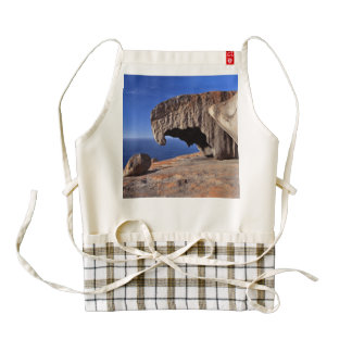 Remarkable Rocks, Kangaroo Island,South Australia Zazzle HEART Apron
