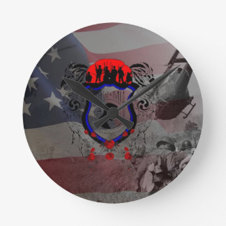Remembere the fall Viet Nam Heroes Round Clock