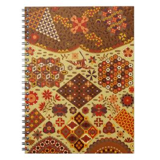Remiendo del vintage floral - en colores del otoño libro de apuntes
