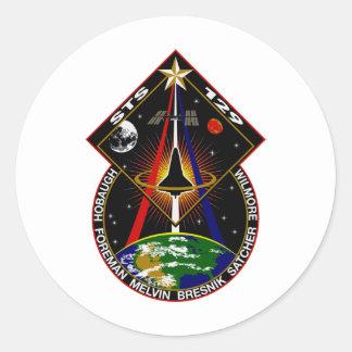 Remiendo del vuelo del STS 129 Pegatina Redonda