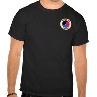 remiendo en negro camisetas