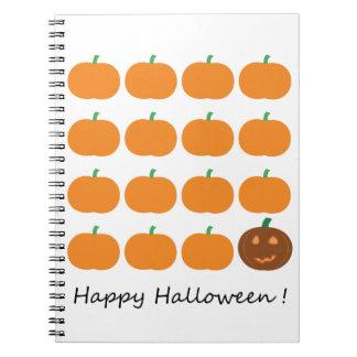 Remiendo lindo de la calabaza del feliz Halloween Libreta