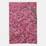 Remiendo rosado de la flor toalla de mano