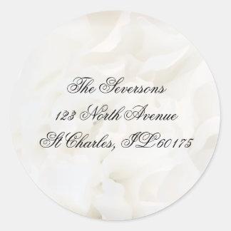 Remite floral del clavel blanco pegatina redonda